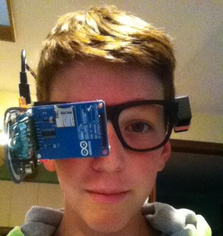 Google Glass caseiro criado por jovem de 13 anos