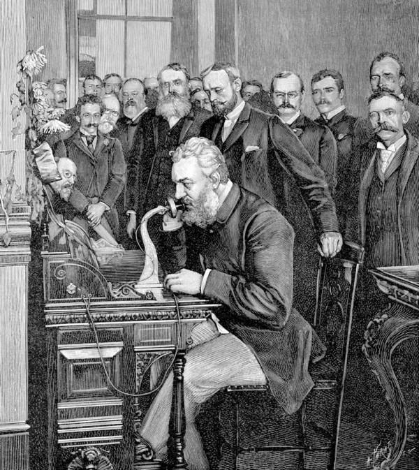 Historicamente Bell foi considerado como o inventor do telefone