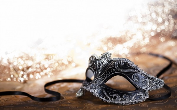 6901646-carnival-mask