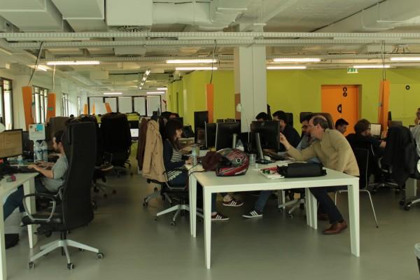 Empresa do Porto ensina jovens a programar...