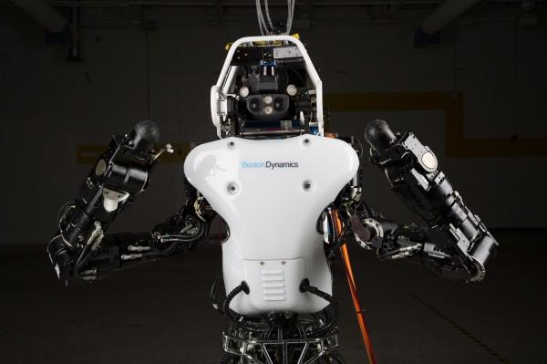 Atlas: robô bípede que já consegue correr em solos irregulares