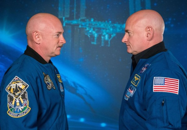 Scott Kelly Mark Kelly