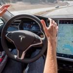 Condutor de Tesla apanhado a dormir, conduzido pelo AutoPilot
