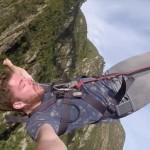 Um iPhone acaba com a adrenalina de um salto de bungee jumping