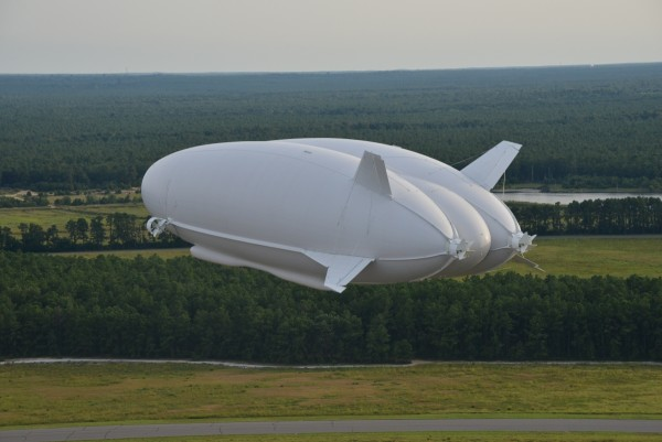 worlds-largest-aircraft-airlander-10