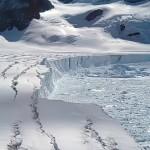Icebergue poderá  desprender-se a qualquer momento da Antártida