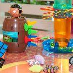 Elementos perigosos em brinquedos que passam de pais para filhos