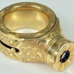 Este estranho anel de ouro é uma câmara rara de espionagem soviética