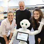 Robô contratado para ajudar clientes nas compras, foi despedido