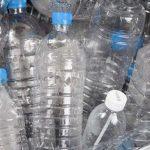 Governo irá dar prémios a quem devolver as garrafas de plástico