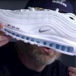 Jesus Shoes: Ténis com água benta custam 3 mil euros